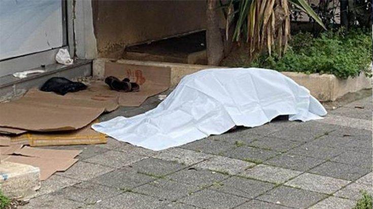 Kadıköy'de evsiz bir yurttaş donarak yaşamını yitirdi