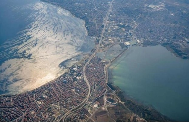 'Kanal İstanbul devreye girdiğinde Avrupa yakasını besleyen suyun yüzde 65'i devre dışı kalacak'