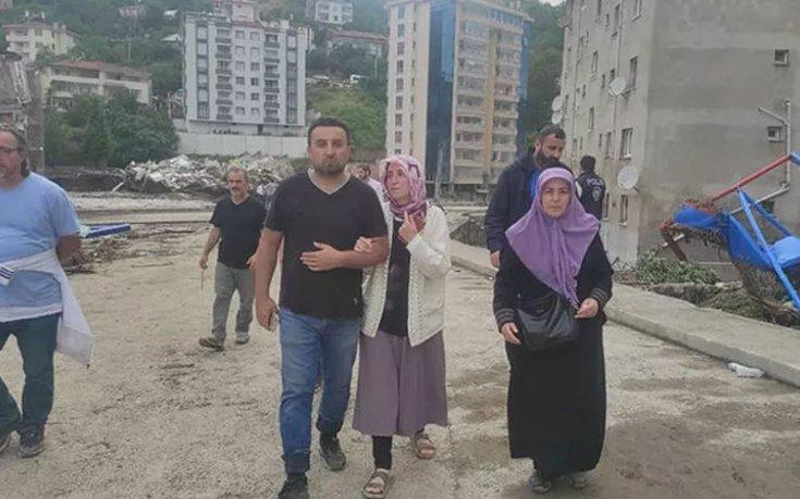 Kastamonu'daki selde çocuklarını kaybeden anne: 'HES patlamış bize söylemediler'