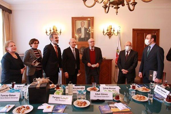 Kılıçdaroğlu, İstanbul'da TGC'nin genel merkezini ziyaret etti