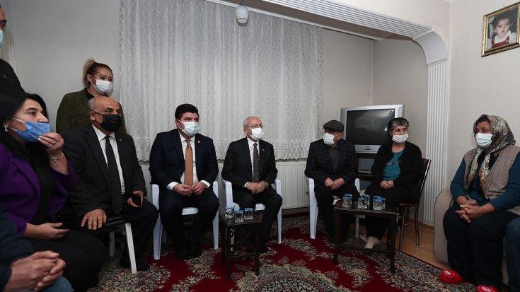 Kılıçdaroğlu İzmir'de taziye ziyaretinde bulundu