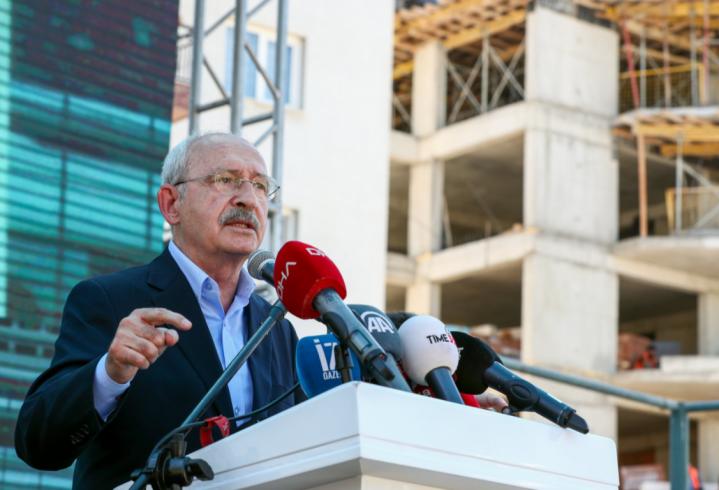 Kılıçdaroğlu İzmir'de deprem mağdurlarıyla bir araya geldi: 'Hakkınızı aradığınız sürece yanınızda olacağız'
