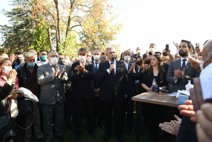 Mansur Yavaş duyurdu: Üreticilere sıvı gübre, ücretsiz silaj ve mazot yardımı yapılacak