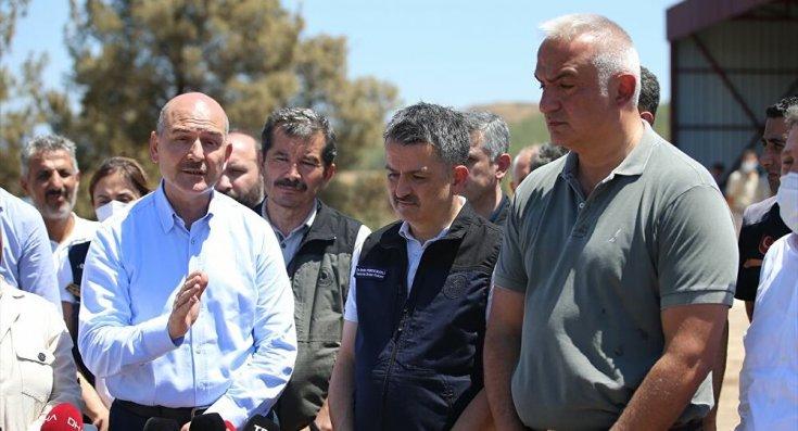 Milas Belediye Başkanı Muhammet Tokat: 3 bakanımız Milas'ta açıklama yapıyor, ben ekrandan izliyorum
