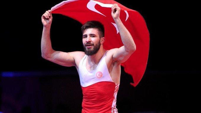 Milli Güreşçimiz Süleyman Atlı serbest stil 57 kiloda Avrupa Şampiyonu oldu