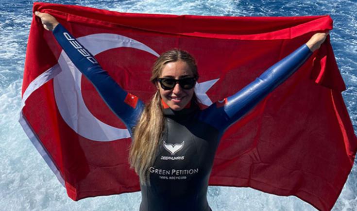 Milli sporcu Şahika Ercümen'den iki altın madalya