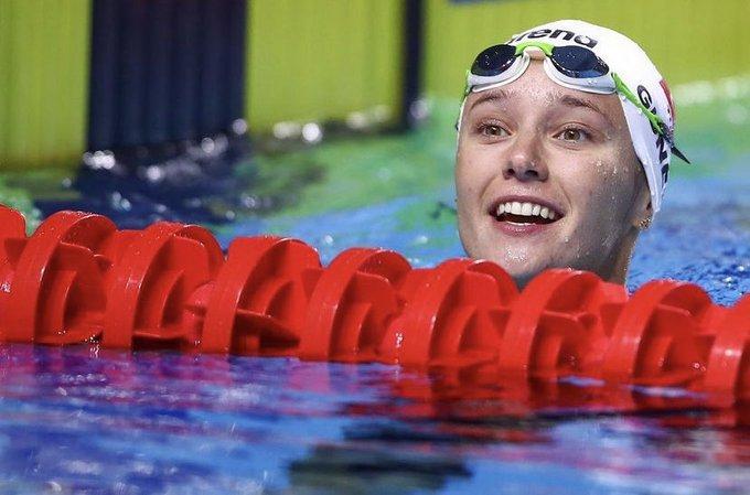 Milli yüzücü Zeynep Güneş'ten bronz madalya