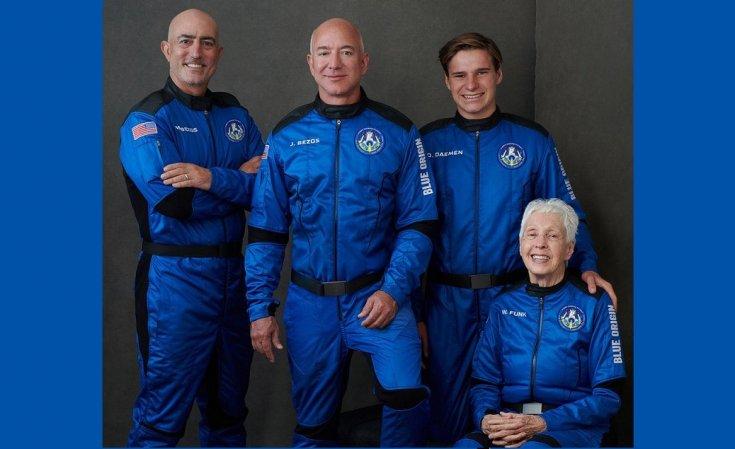 Milyarder iş insanı Jeff Bezos'un uzay aracı yolculuğunu tamamladı