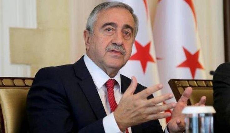 Mustafa Akıncı'dan Bahçeli'ye yanıt: Yerlerde sürünen politik düzeysizliğe ayak uydurmamız söz konusu olamaz