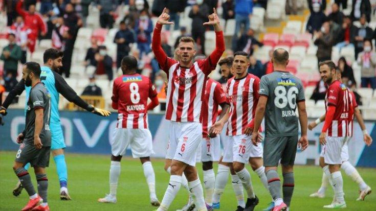 Sivasspor, Karagümrük'ü 4-0 yendi