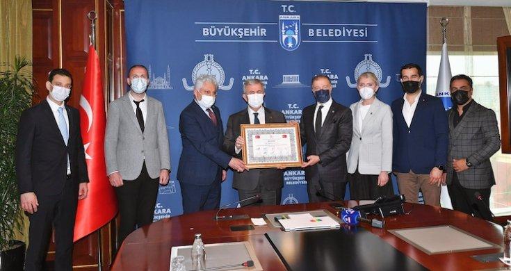 Sivil toplum kuruluşlarından Mansur Yavaş'a vefa ödülü