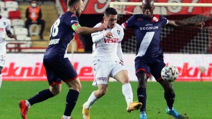 Trabzonspor, Antalyaspor'la 1-1 berabere kaldı