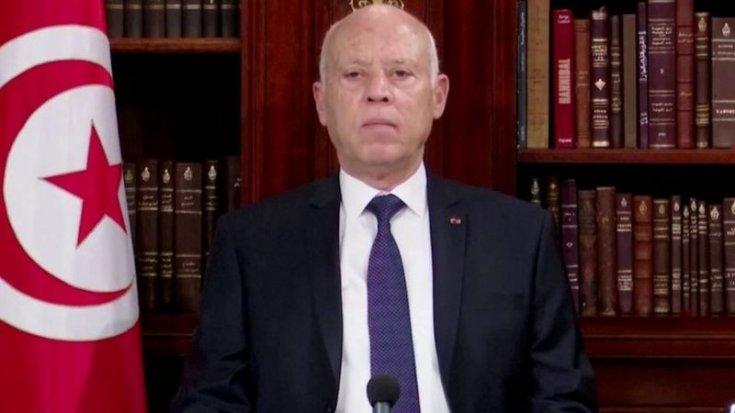 Tunus Cumhurbaşkanı Said, başbakanı görevden aldı ve meclisin yetkilerini dondurdu