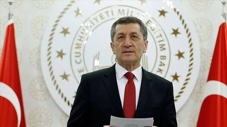 Ziya Selçuk'tan LGS'de 'benzer soru' iddiasına ilişkin açıklama