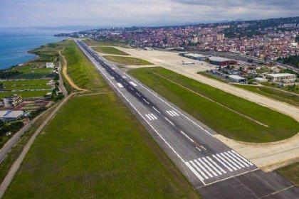 58 milyon liraya onarılan Trabzon Havalimanı'nın pistleri yine çatladı, uçuşlar durduruldu