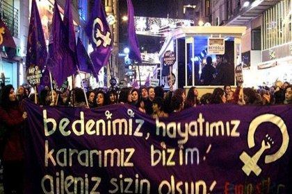 İstanbul'da 8 Mart feminist gece yürüyüşüne katılanlara gece baskını; 18 gözaltı kararı var