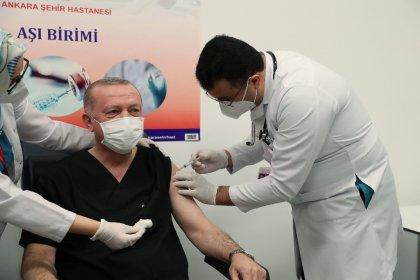 AKP Genel Başkanı ve Cumhurbaşkanı Erdoğan aşı oldu