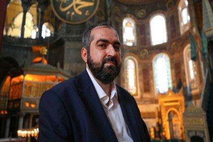 AKP'li Özlem Zengin'den Ayasofya'nın baş imamı Boynukalın'a: Herkes kendi işini yapmalı