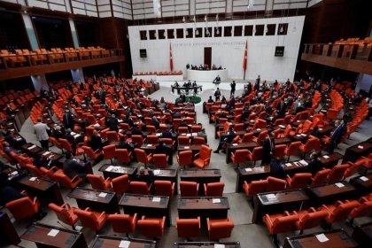 'AKP'nin anayasa çalışması: Parti kapatma davası için Meclis'ten onay alınması gündemde'