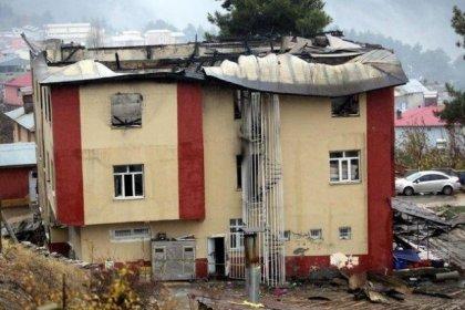 Aladağ Belediyesi, yurt yangınında yaralanan öğrencinin ailesi hakkında vekalet ücreti nedeniyle icra takibi başlattı