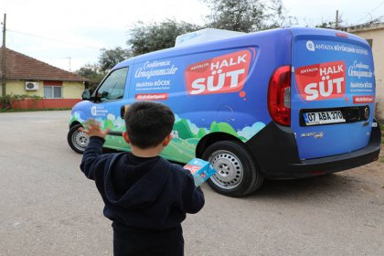 Antalya Büyükşehir Belediyesi 364 bin litre ücretsiz süt dağıttı