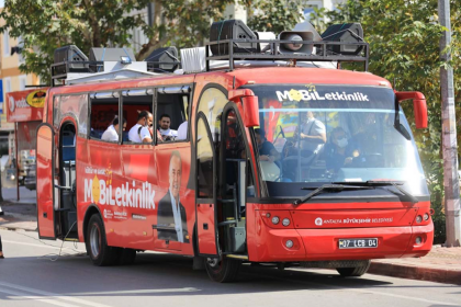 Antalya Büyükşehir Belediyesi, mobil konserler düzenliyor