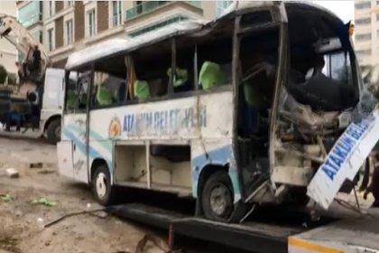 Atakum Belediyesi'nin servis aracı kaza yaptı: Ölü ve yaralılar var