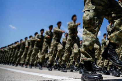 'Atatürk, askerlerin kurs yönergesinden çıkarıldı'
