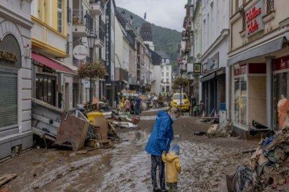 Avrupa'da sel felaketi: Can kaybı 150'yi aştı