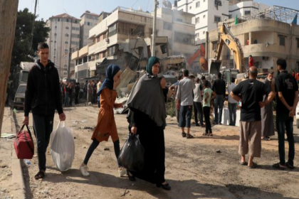 BM: Gazze Şeridi'nde 42 bin Filistinli evlerini terk etti