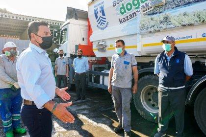 Bodrum Belediye Başkanı Ahmet Aras, Ramazan Bayramında görev başındaki personel ve esnafı bayramını kutladı