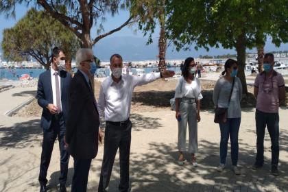 Burhaniye Belediye Başkanı Deveciler, Balıkesir Büyükşehir Belediyesi'nin yetkililerine ilçedeki çalışmaları yerinde anlattı