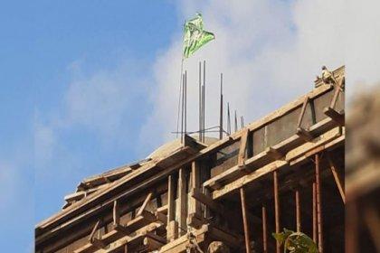 Cami inşaatına hilafet bayrağı asıldı