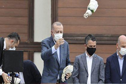 Çay dağıtan liselilere 'Cumhurbaşkanını alaylı tavırla taklit ettiniz' tutanağı!