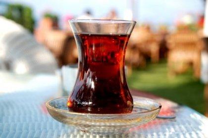Çay içerken sıcaklığına dikkat: Kanser riskini 5 kat artırıyor