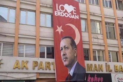 CHP'nin şikayeti üzerine 'Love Erdoğan' afişi indirildi