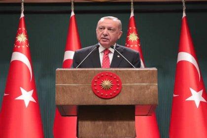 Cumhurbaşkanlığı Kabinesi Erdoğan başkanlığında toplandı açıklamada; Cumhur İttifakı'ndaki ortağımızla anlaşmaya varmamız halinde yeni anayasa için harekete geçebiliriz, 15 Şubat'ta köy okulları açılıyor