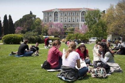 DİSK-AR: Türkiye, Avrupa ülkeleri arasında üniversite öğrencilerine en düşük mali destek veren ülkeler arasında