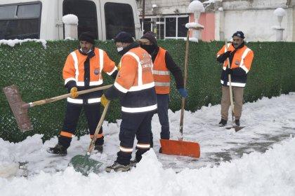 Doğu'da 1344 köy yolu kardan kapandı