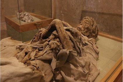 Dünyada hamile bir kadına ait ilk antik Mısır mumyası Polonya'da ortaya çıkarıldı