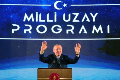 Erdoğan: Hedefimiz bir Türk vatandaşını uzaya göndermek
