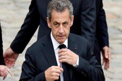 Eski Fransa Cumhurbaşkanı Sarkozy yolsuzluktan 3 yıl hapis cezası aldı