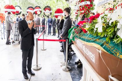 Eski Karşıyaka Belediye Başkanı Kemal Baysak son yolculuğuna uğurlandı