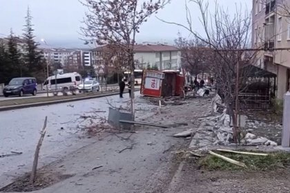 Eskişehir'de itfaiye aracı işçi servisi ile çarpıştı: 1 ölü, 11 yaralı