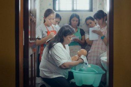 Filipinli kadın işçilerin hikâyeleri: 'Denizaşırı Hizmetçiler' 1 Mayıs'ta Kundura Sinema'da