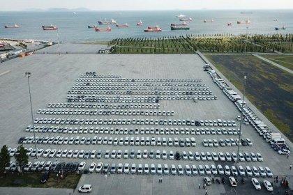 Gazeteci Murat Ağırel İBB tarafından kiralanıp AKP'ye tahsis edilen araçların listesini yayınladı