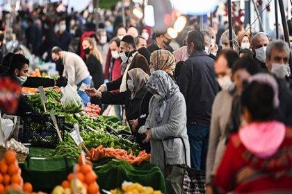 Gıda fiyatları son bir yılda yüzde 37,6 oranında arttı