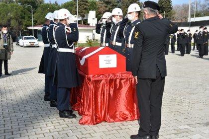 Gökçeada açıklarında  cansız bedenine ulaşılan İlçe Jandarma Komutanı için tören düzenlendi