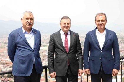 Hatay, Adana ve Mersin büyükşehir belediye başkanları: 'CHP'li belediyeler yapılması gereken her şeyi yaptı'