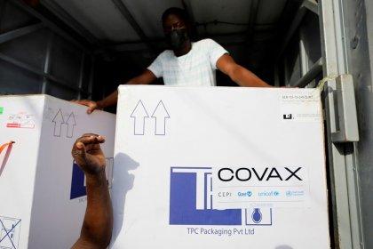 Hindistan'daki kriz nedeniyle 140 milyon doz koronavirüs aşısı yoksul ülkelere gönderilemedi